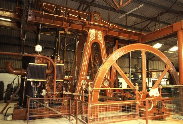 Beam Engine at Strumpshaw Hall by Chris Allen and licensed for reuse under the Creative Commons Licence (CC-BY-2.0).
