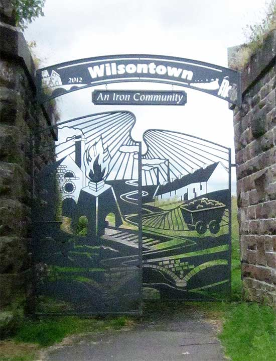 Wilsontown Ironworks Gate. Copyright Ian Murfitt and licensed for reuse under CC BY-SA 2.0.