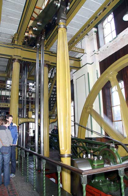 Goldstone Pumping Station & The British Engineerium. The 1875 Woolf engine. © Copyright Chris Allen and licensed for reuse under CC by SA 2.0