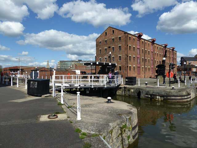 Gloucester Historic Docks © Copyright Chris Allen and licensed for reuse under CC by SA 2.0