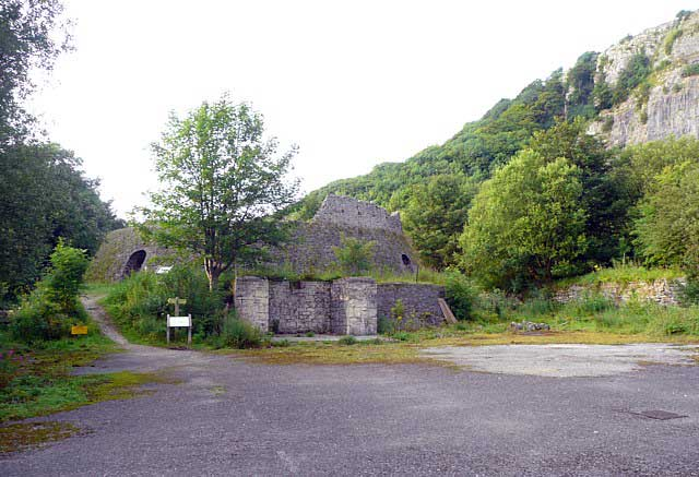 Craven and Murgatroyd Limeworks © Copyright Humphrey Bolton and licensed for reuse under CC by SA 2.0