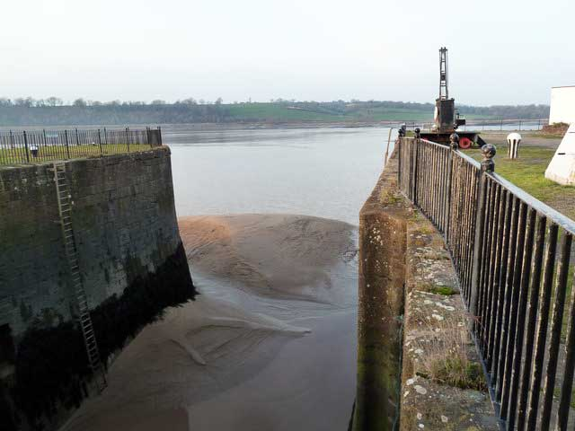 Sharpness Canal Old Entrance © Copyright Chris Allen and licensed for reuse under CC BY SA 2.0