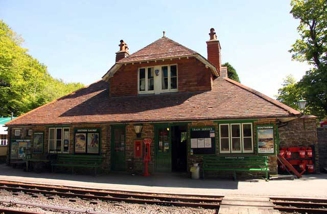 Woody Bay Station © Copyright Steve Daniels and licensed for reuse under CC BY SA 2.0