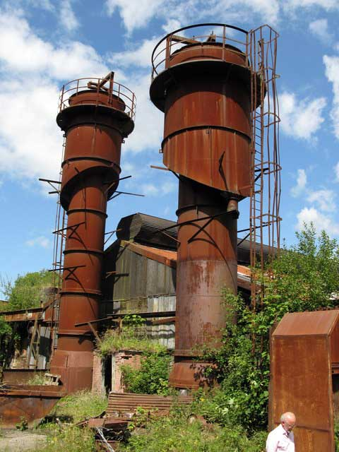 Brymbo Iron and Steel Works © Copyright Stephen Dewhirst and licensed for reuse under CC by SA 2.0