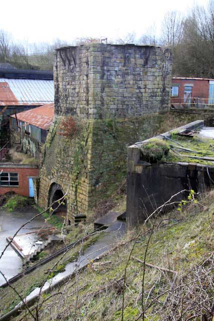 Brymbo Iron and Steel Works © Copyright Chris Allen and licensed for reuse under CC by SA 2.0